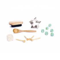 Silver-Christmas-crackers-Silver-Pinecone-purely-christmas-SLE808-Contents-HR