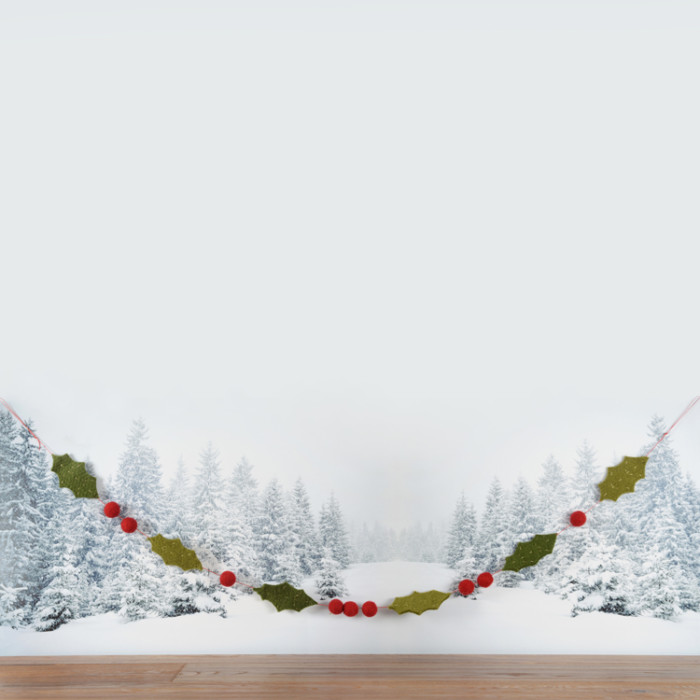 felt-holly-garland150-purely-christmas-91550