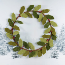 felt-holly-wreath-purely-christmas-91559