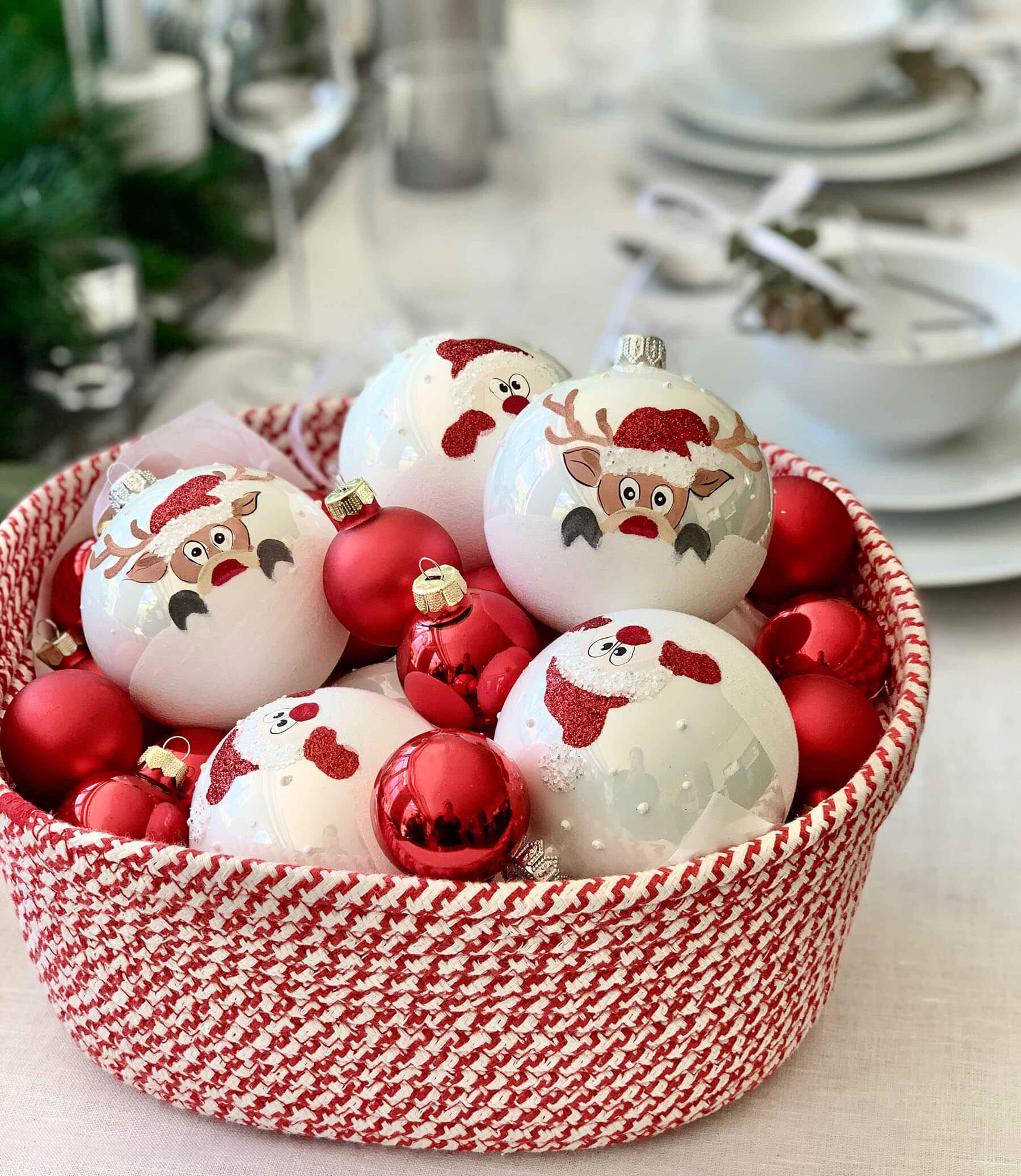 red-and-white-christmas-blog-purely-christmas-2