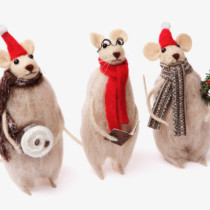 three felt christmas mice