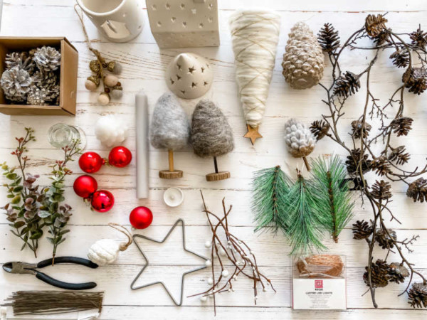 item ideas for creating Christmas table decorations